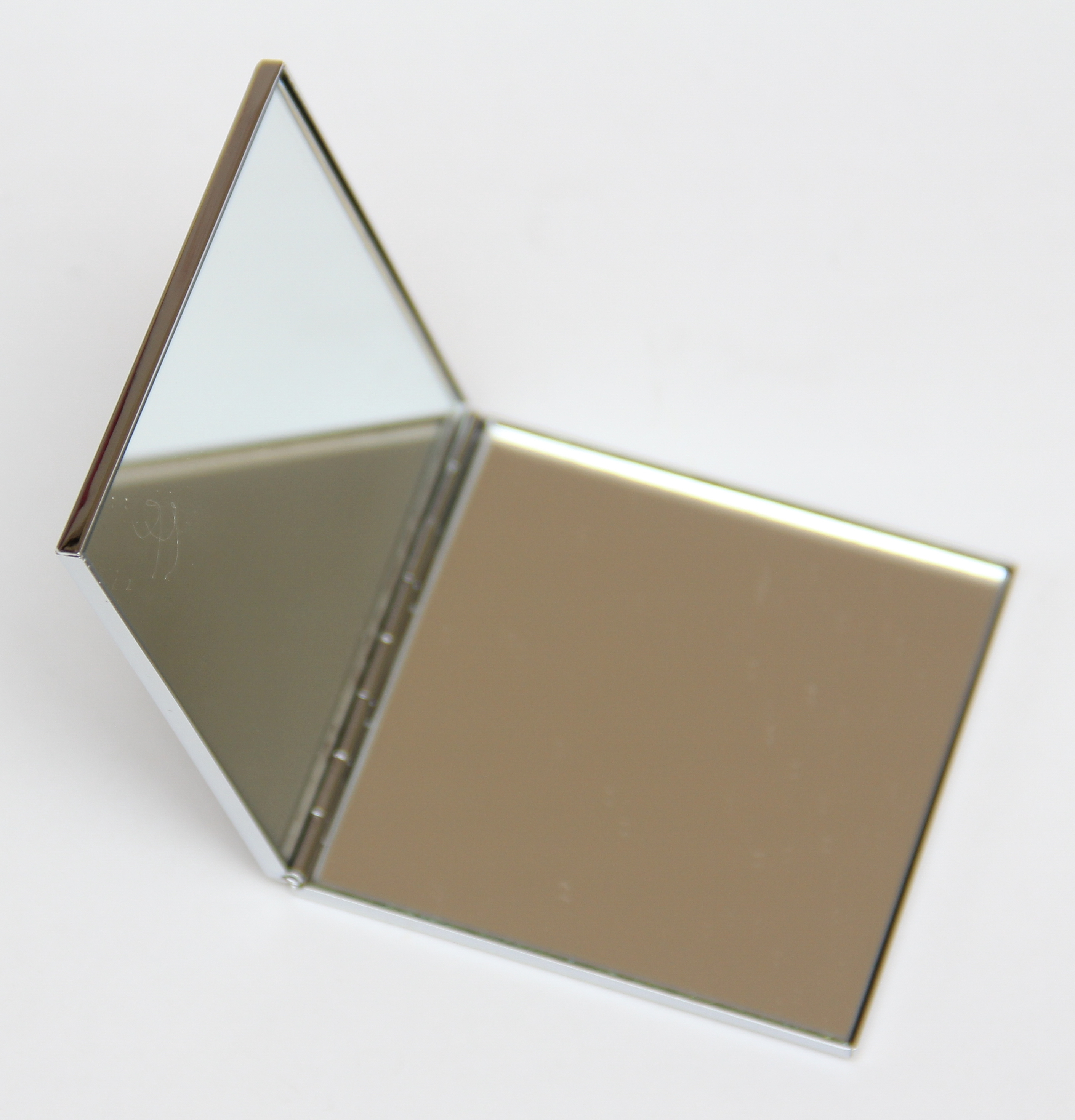 makeup mirror for nearsighted in square shaped