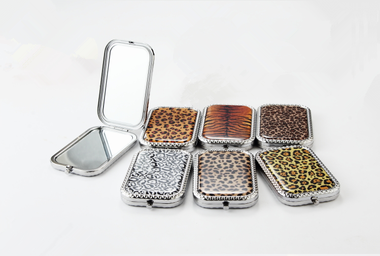 leopard printed makeup mirror 2X magnification in retangle